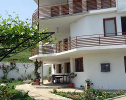 Petrovi Guest House