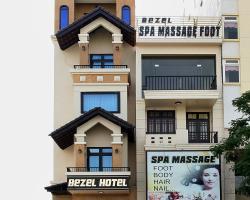 Bezel Hotel