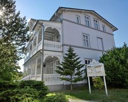 Ferienwohnungen in Bädervilla mit Ostseeblick