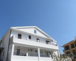 Apartments Gvozdenović