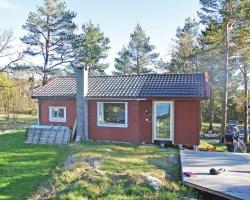Three-Bedroom Holiday home with Sea View in Homborsund
