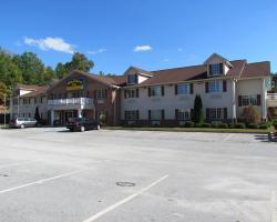 Western Inn & Suites Hampton