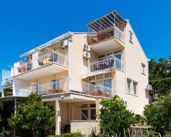 Apartments Klaić