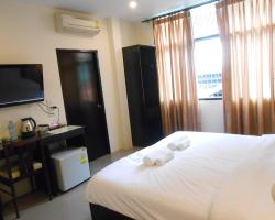 The Bang Khun Phrom Suites