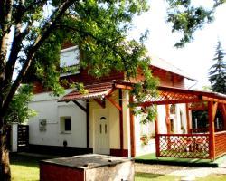 Yewlake Vendégház