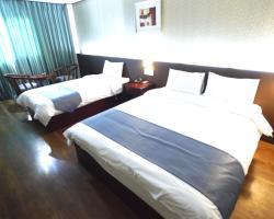 Raja Tourist Hotel
