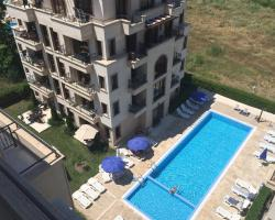 REINVEST Apartments Amara