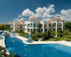 Paseo del Sol Apartments by Royal Properties