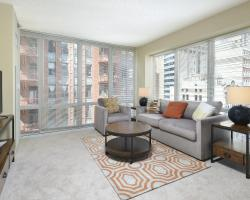 Global Luxury Suites at the Chicago Loop