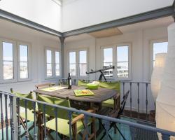 Panoramic Santos Apartment | RentExperience