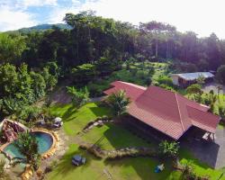 Uvita Hostel Resort