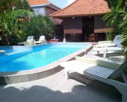 Adus Beach Inn