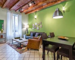 Urban District Apartments - St. Antoni Market (3BR)