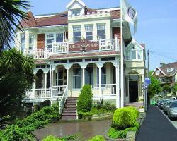 Queenswood Hotel