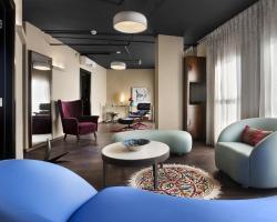 Port and Blue TLV Boutique Suites