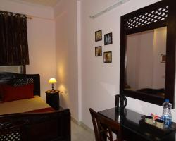 Tulsian Guest House & Apartments