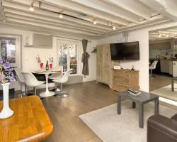 Joli Canal St Martin Studio Paris