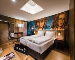 Hotel Cinema 8
