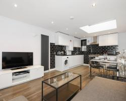 Deluxe City Apartments - Commercial Road