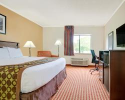 Days Inn & Suites by Wyndham Kansas City South
