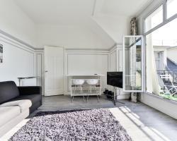 Av. Des Champs Elysées/ Big Studio fits 4