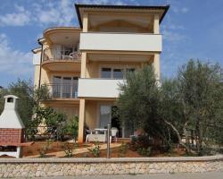 One-Bedroom Apartment Malinska near Sea
