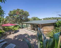 Beachfront Enclosure Bay - Waiheke Unlimited