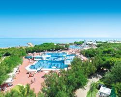 Isamar Holiday Village