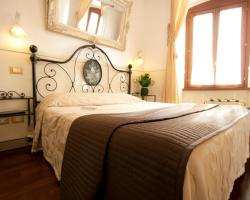 Le Suite Di Via Ottaviano - Suite in Rome B&B