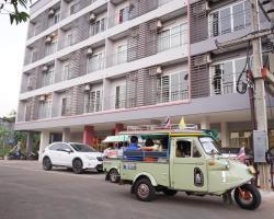 Chompu Nakarin Apartment
