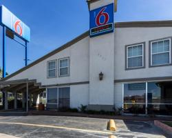 Motel 6 Fort Worth - Seminary