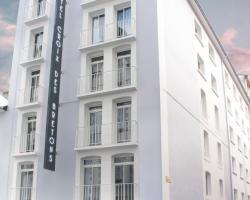 Hôtel Croix des Bretons