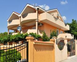 Apartments Vuksanovic