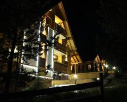 Villa Natural Wood