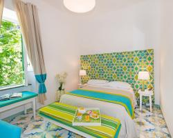 Relais Correale Rooms & Garden