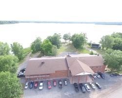 Trudeau's Park Lodge