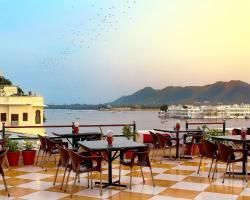 Hotel Devraj Niwas