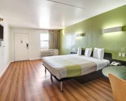Motel 6 Dallas Forest Lane