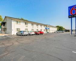 Motel 6 Wichita East