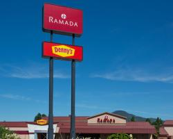 Ramada by Wyndham Medford Hotel & Conference Center