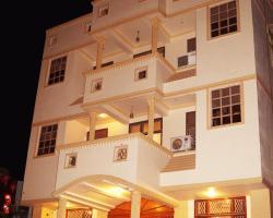 Optimum Sheela Inn