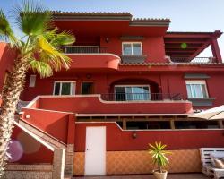 La Casa Roja Tropical B&B