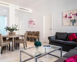 Sevilla Luxury Rentals - Alcazar