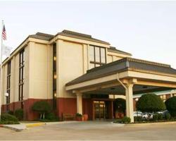 Hampton Inn Dallas-North-I-35E At Walnut Hill