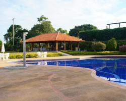 El Eden Resort