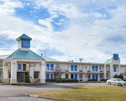 Motel 6 Brownsville Bells