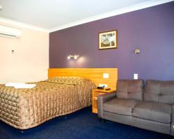 SunPalms Motel