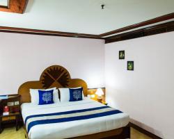 OYO 1039 Hotel The Surya