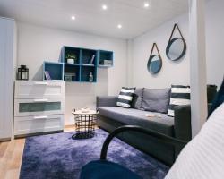 d.FIVE Golden Hand Luxury Apartment