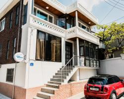 Chingu Guesthouse Hongdae - Mr. Kim's Branch
